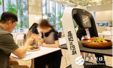 技术逐渐成熟 餐饮配送工作或将成为机器人落地的主要阵地