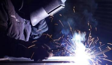 焊条电弧焊的工艺参数_焊条电弧焊的优点和缺点