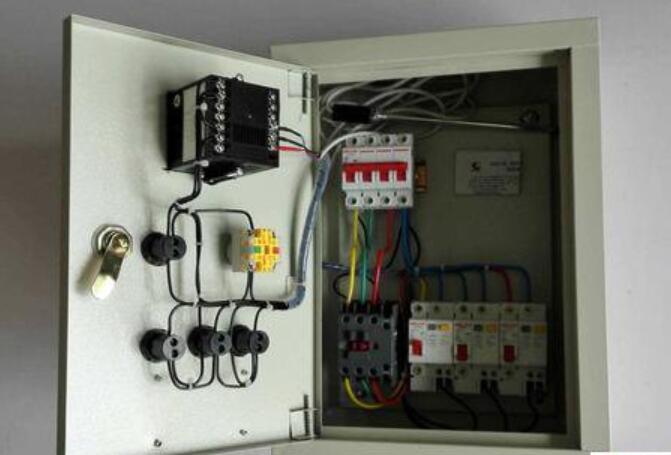 電加熱控制箱的結構組成