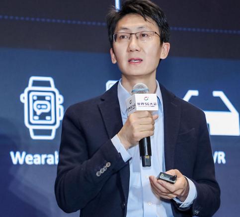 vivo通信研究院秦飛表示5G的發展將經歷三步曲的過程