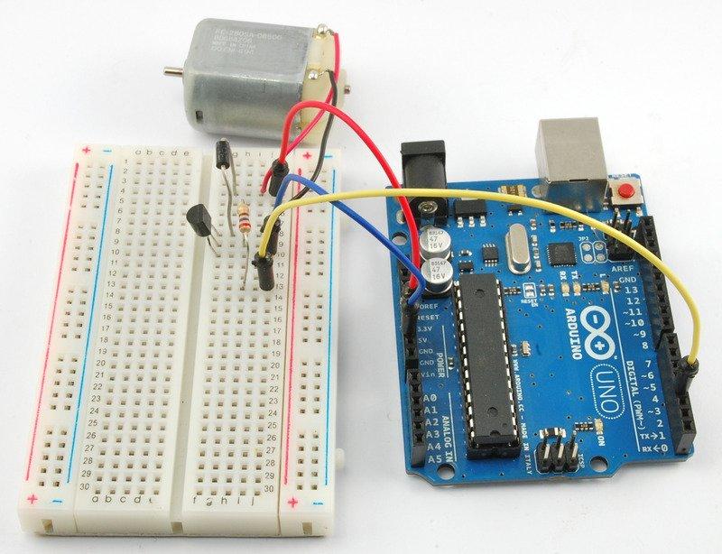如何使用Arduino和非晶体管控制小型直流电动机