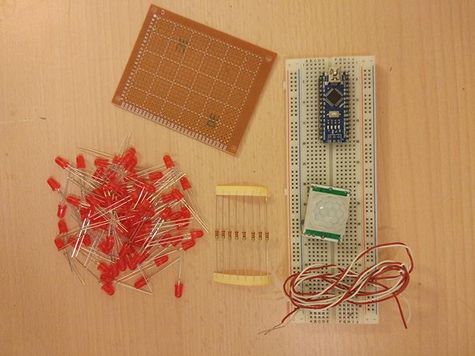 怎样制作通过运动激活的LED矩阵升级圣诞节花环