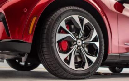先进的电池技术可以增强电动汽车续航里程以及充电速...
