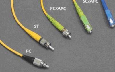 苹果新专利曝光,iPhone或将采用混合光纤连接器