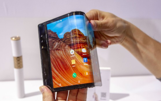 折叠屏手机受热捧,很多问题不容忽视