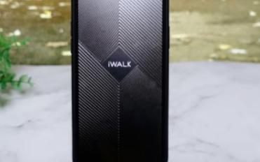 iWALK新款无线充电器,不仅可以无线充电还可以做支架