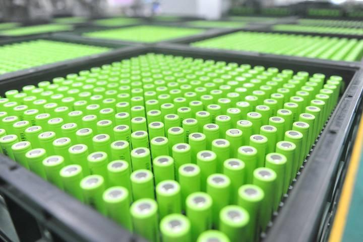 国产特斯拉采用圆柱电池,带动装机量猛增