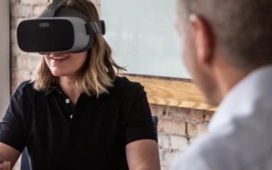 沃尔玛正在采用虚拟现技术来对员工进行系统培训
