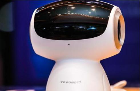 """玖富数科集团推出小易机器人,采用最新""""端+云""""技术"""