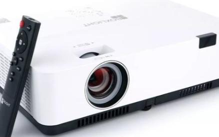 超高亮度的3LCD智能投影机,用户体验好评多多