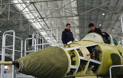 贵飞总装分厂已完成了多架山鹰改飞机总装交付