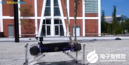 弹性四足机器人Minitaur可以穿过各种障碍 其最大速度为每秒2米
