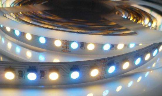 佛山照明与苏宁集团达成战略合作签约 产品与服务将更好地推广并覆盖到受众