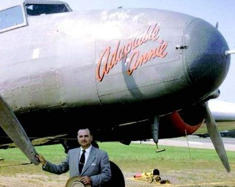 波音公司推出的波音247-D型飞机是真正意义上的现代客机