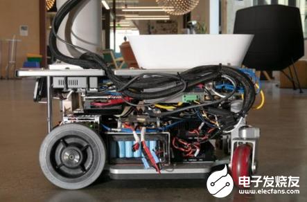 谷歌为机器人注入人工智能 造就了大楼里的垃圾分类机器人