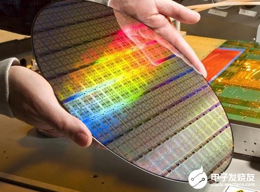 国产5nm蚀刻机已获台积电认可 是半导体工艺中不可缺少的一步