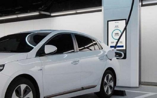 现代超高速电动汽车充电设备,直流快充高达350k...