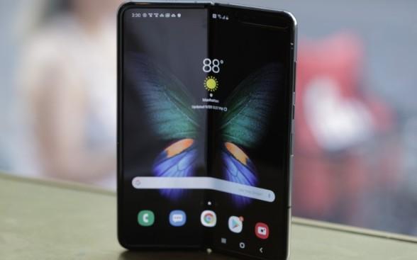 三星Galaxy Fold折叠手机大卖,已售出100万台