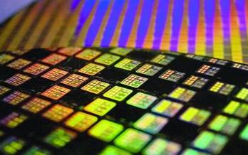 中國CPU芯片或將實現彎道超車,有望搞定2nm工藝
