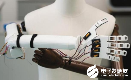 """超仿真的""""人造皮肤""""面世 未来机器人将更加难以分辨"""