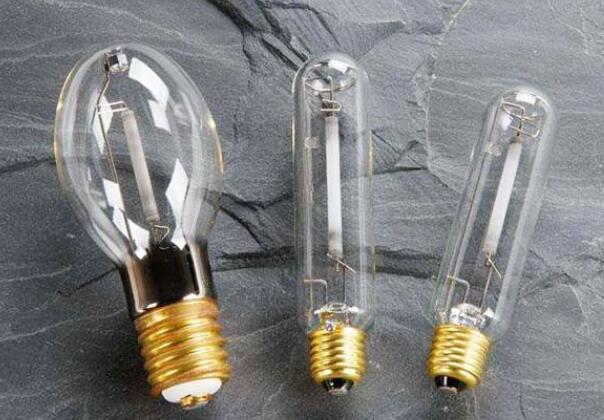 高压钠灯使用寿命_高压钠灯结构材料