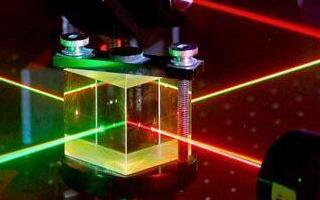 電子傳輸數據速度慢,光子傳輸數據將取而代之