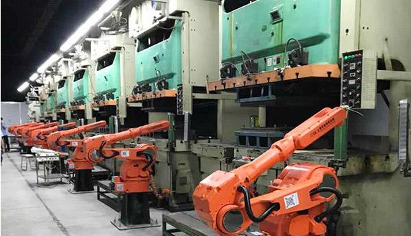沖壓機器人為什么可以如此的靈活