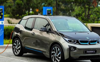 Proterra推出多分配器电动汽车充电解决方案