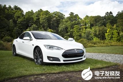 特斯拉OTA更新版本 通过AI技术拉开了与传统汽车的距离