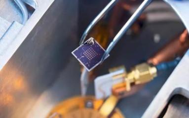 新型的铁电半导体场效应晶体管已被成功研制出