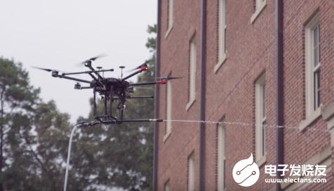 无人机试图介入高危的高空建筑清洁领域 利用自身性能造福人类