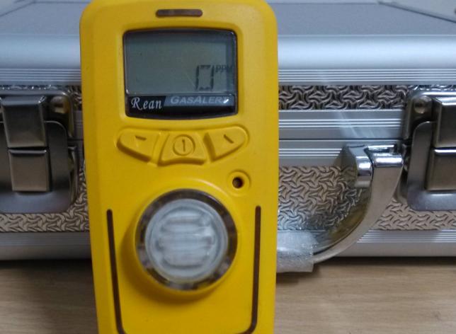手持式硫化氢泄漏检�测仪的产品概述及特点
