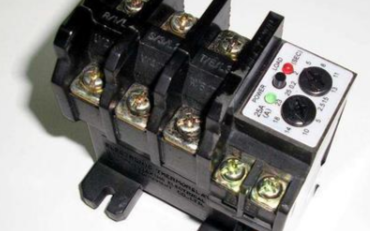 为什么大于3KW的电机要增加热继电器,其作用如何