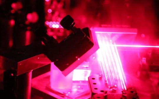 中科大实现复杂度达48个量子比特的玻色取样量子计算