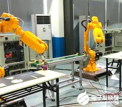 AI技术与机器人技术深度结合 安防机器人热度也在...