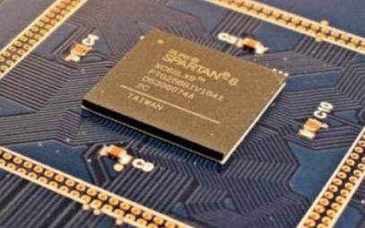 超快激光助力研究人员研发可编程光学芯片