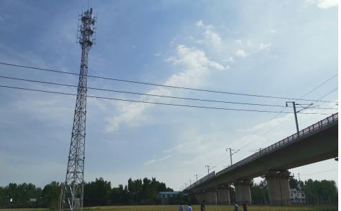 中国铁3d试机号塔助力河南段三条高铁线实现了2G/3G/4G信号全覆�盖