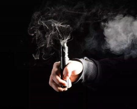 电子烟影响人体健康容易引起呼吸系统疾病