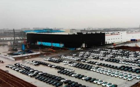 特斯拉宣布国产Model 3即将交付,推测时间在...