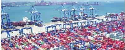 首个实现全程自动化无人操作的现代化智能港口——青岛港实现了一气呵成