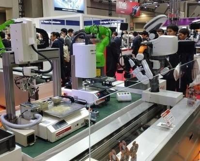 丰田推出新款类人机器人T-HR3,可远程操控看护老人