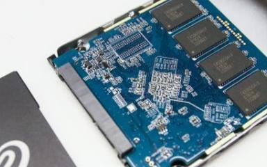 与机械硬盘相比SSD的结构组成有什么不同