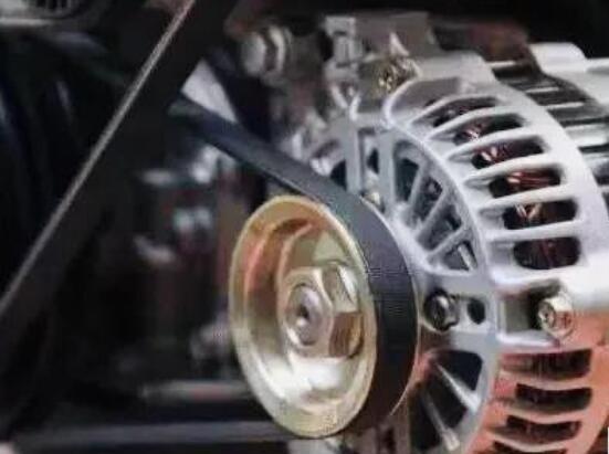 汽车发电机充电电流多少属正常