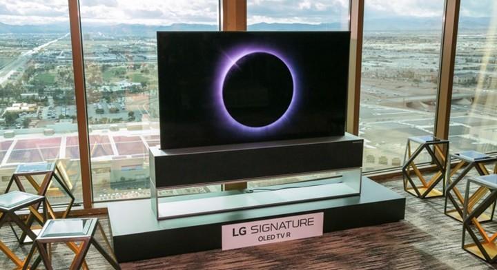 LG卷轴OLED电视起售价6万美元,可以卷起来收入柜子里