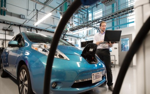电动汽车销量持续下滑,宁德时代和比亚迪打击不小