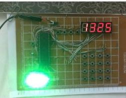如何利用AT89S52单片机实现多功能数字钟