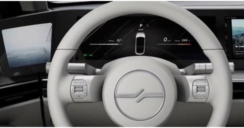 索尼一款名为Vision-S的电动汽车原型曝光内部配备了33个传感器