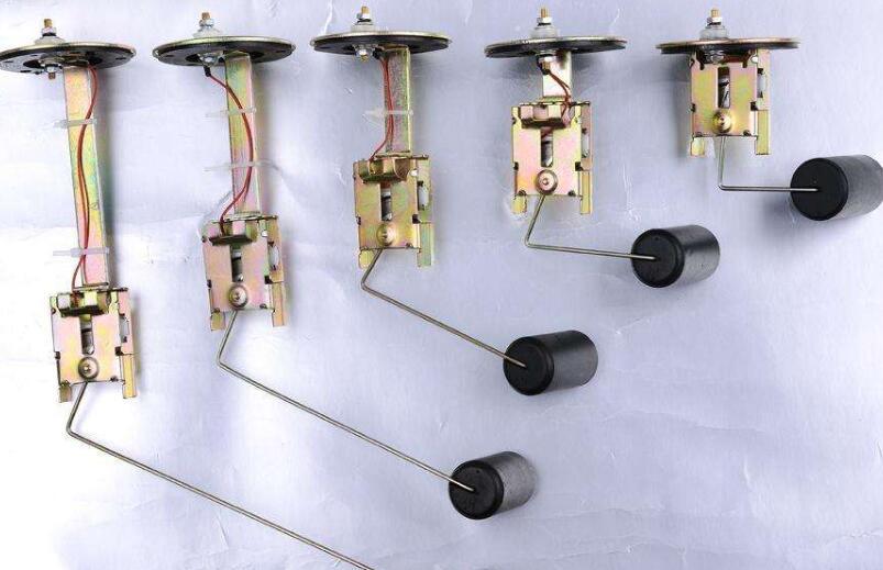 油位传感器在什么位置_油位传感器坏了怎么办