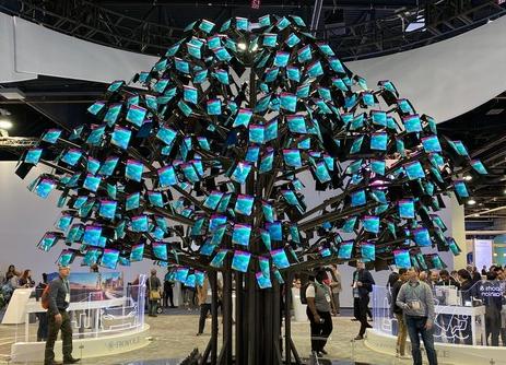 柔宇展台在CES 2020上推出了多款柔性屏