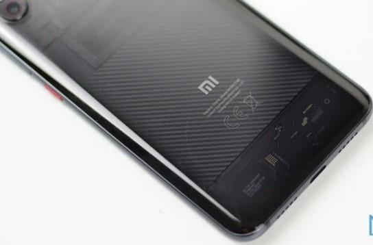 小米10手机的配置信息曝光,6.5英寸OLED面...